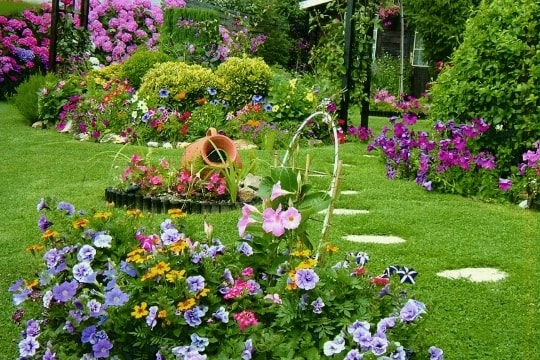 tout sur les jardins les atouts d un beau jardin. Black Bedroom Furniture Sets. Home Design Ideas